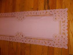 HERITAGE LACE DUSTY ROSE ANTIQUE BATTENBURG NIP TABLE RUNNER